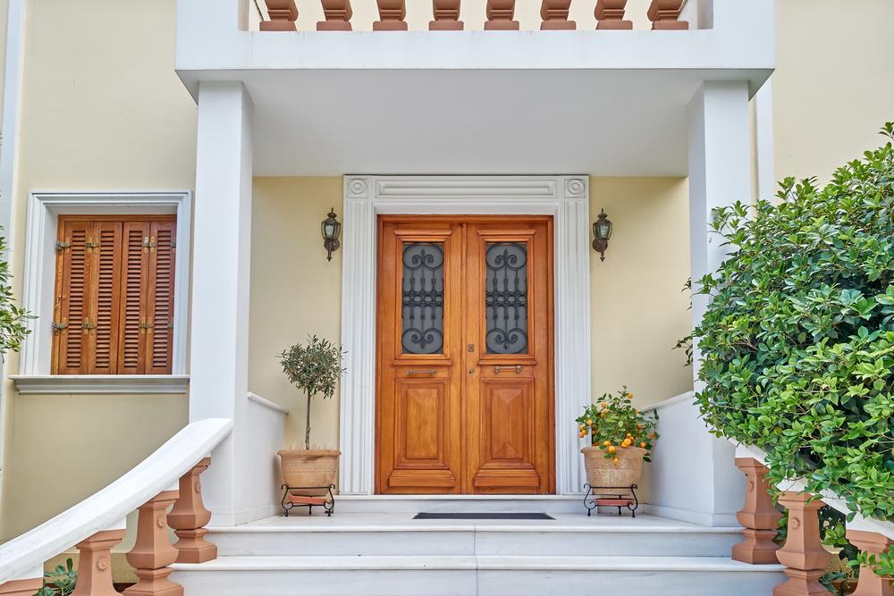 玄関で運気アップする方法・置物や玄関のお手入れのコツについて