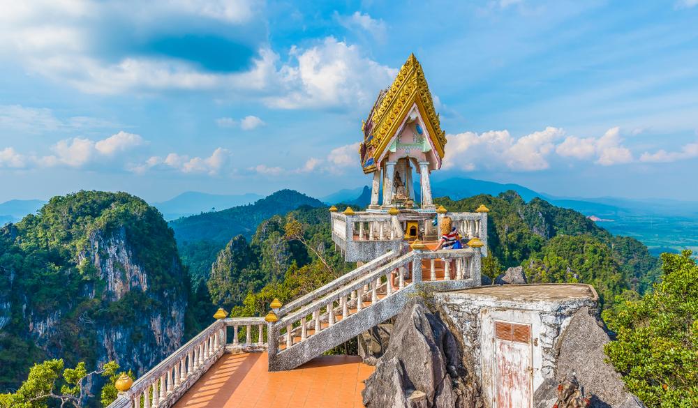 タイのパワースポットは洞窟がすごい!神聖な場所で心を洗おう