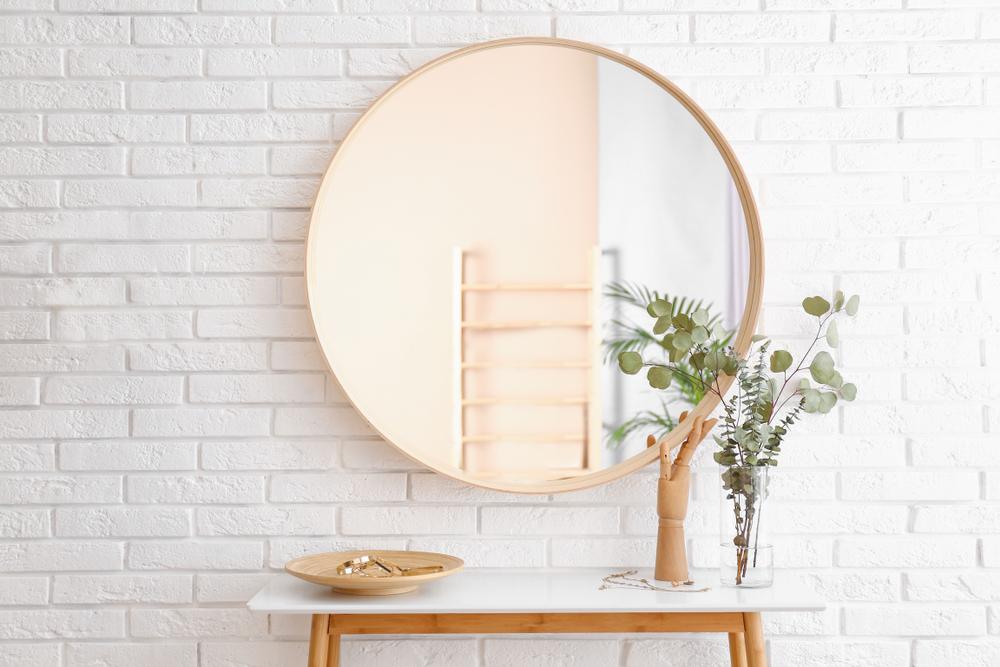 鏡を置く場所で運気アップ・風水の知識を取り込む方法について